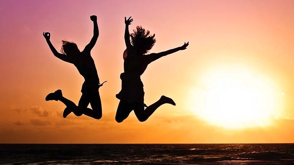 dire oui à la vie en sautant en l'air